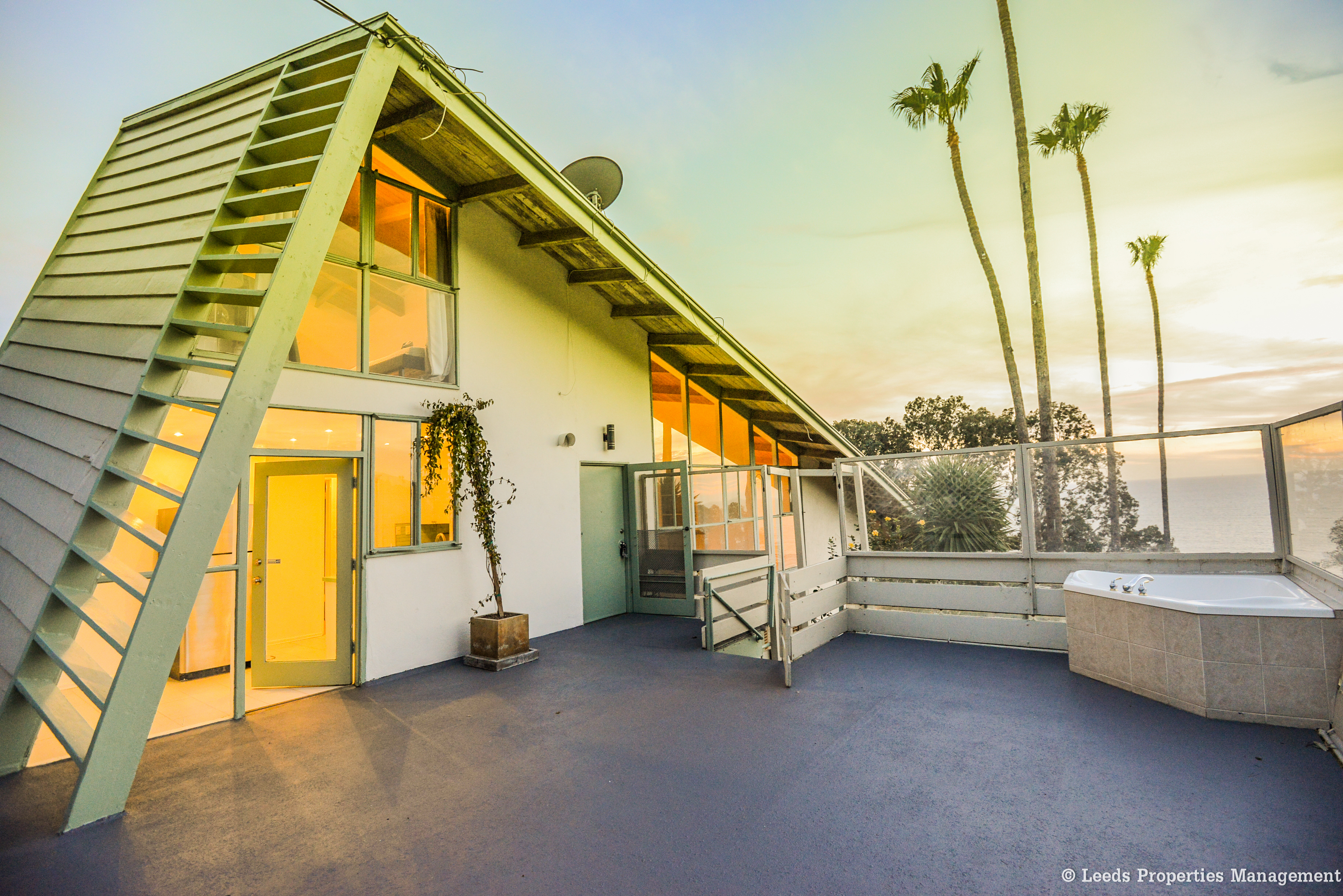17050 Sunset Blvd., Pacific Palisades, CA 90272