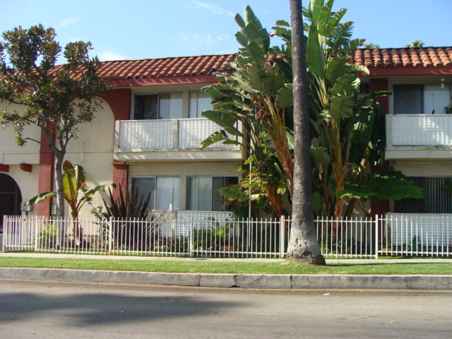 1645 N. Winona Blvd., Hollywood, CA 90027